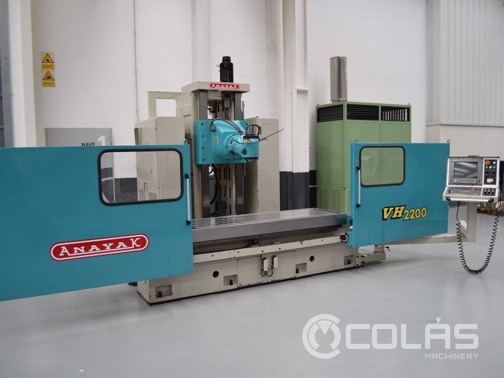 Used Anayak milling machine with Heidenhain