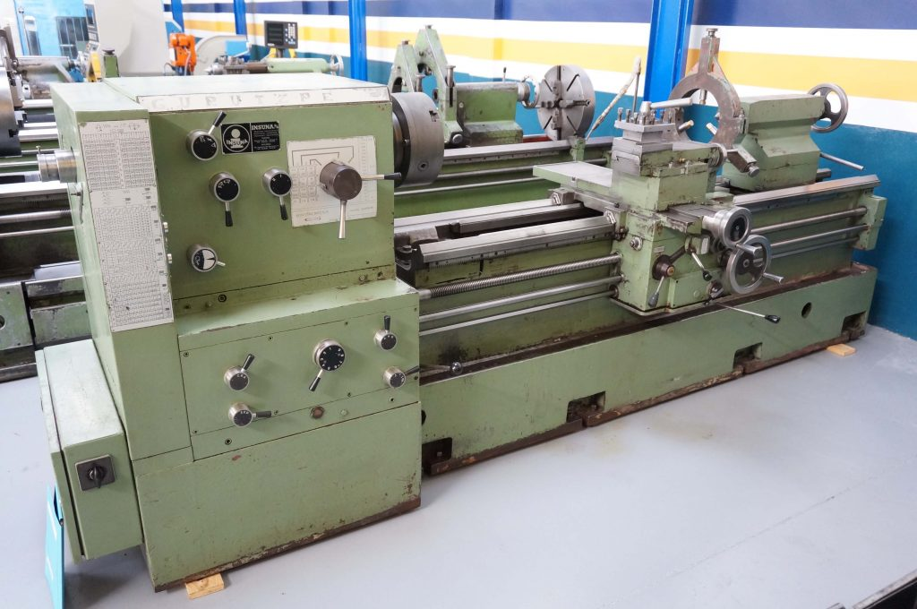 Gurutzpe Manual Lathe in liquidation sale