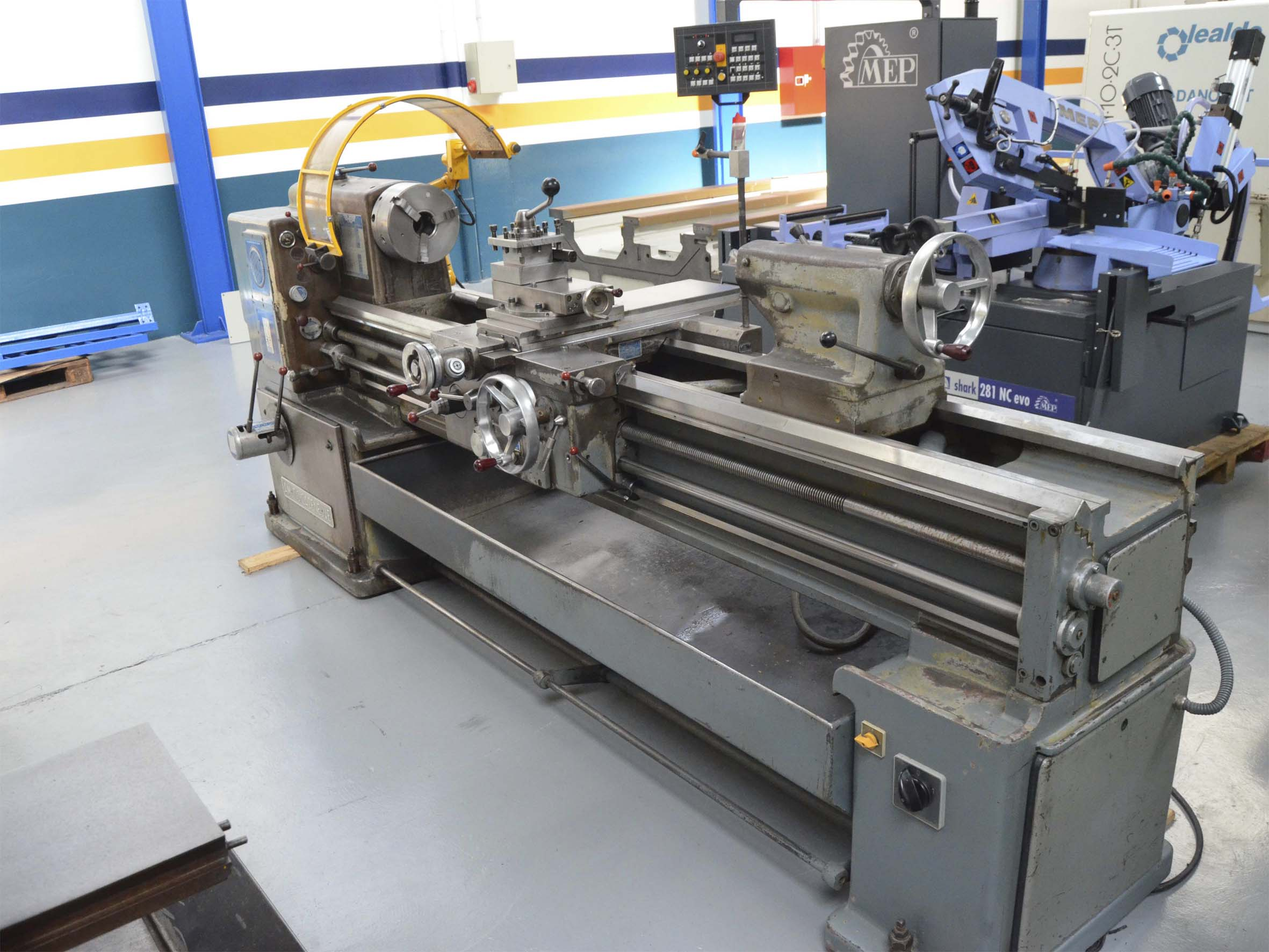 second hand amutio cazeneuve hb manual lathe for sale rh maquinariacolas com