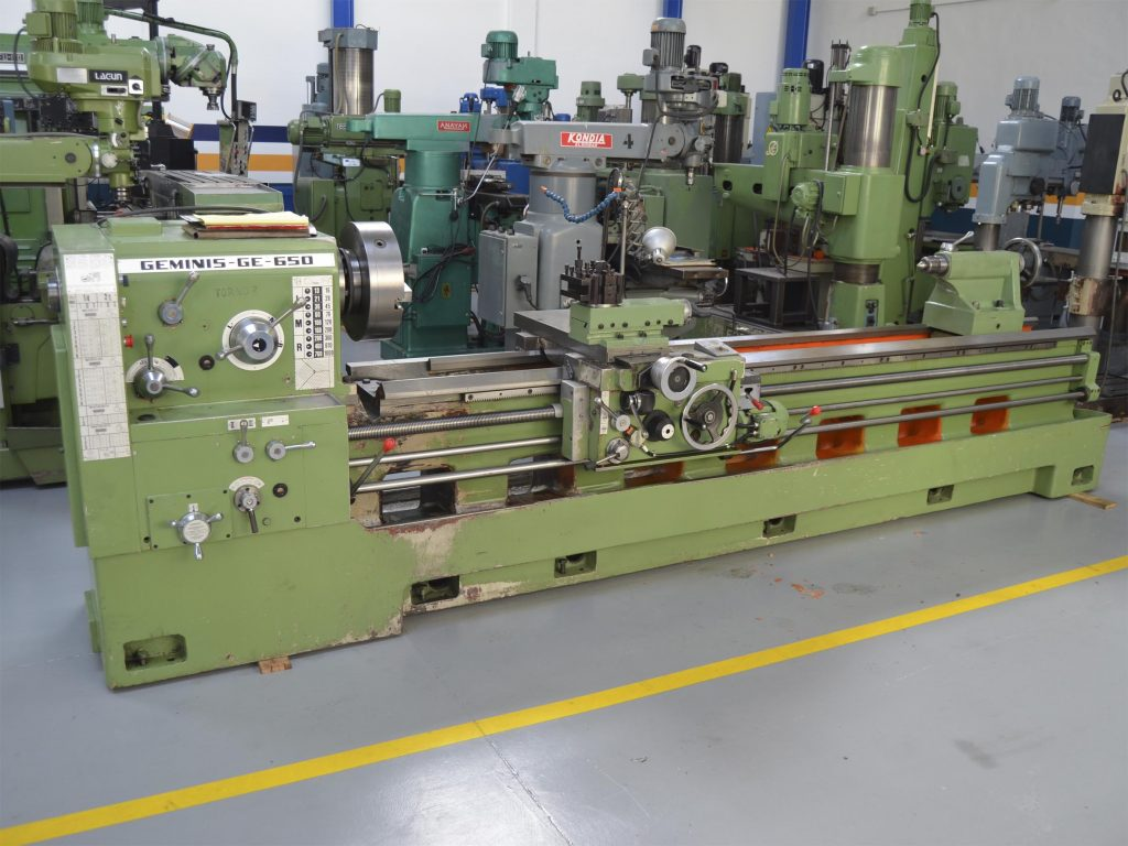 Used Geminis GE-630 Manual Lathe