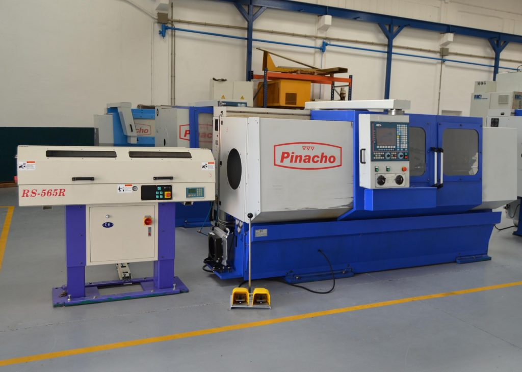 Second Hand Pinacho Mustang SK-200 CNC Lathe